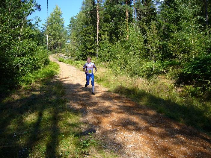 Olli Ojanaho matkalla viimeiselle rastille (Kuva: MS-52)